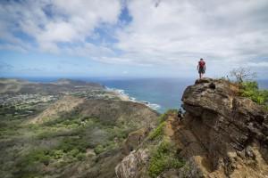 Hikers on Koko Crater rim